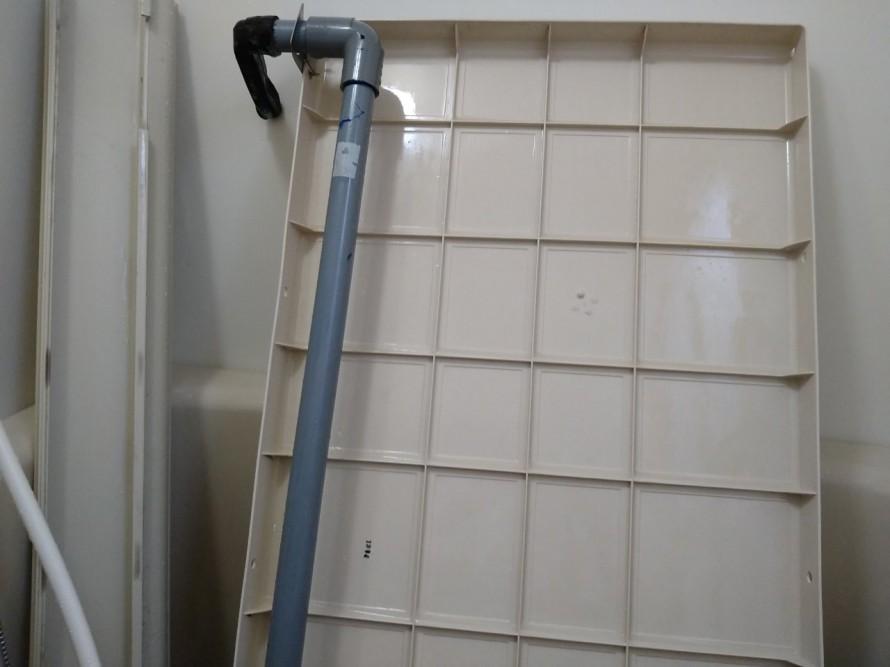 浴室エプロン内の掃除