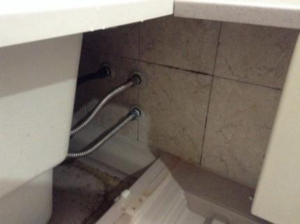浴室エプロン内
