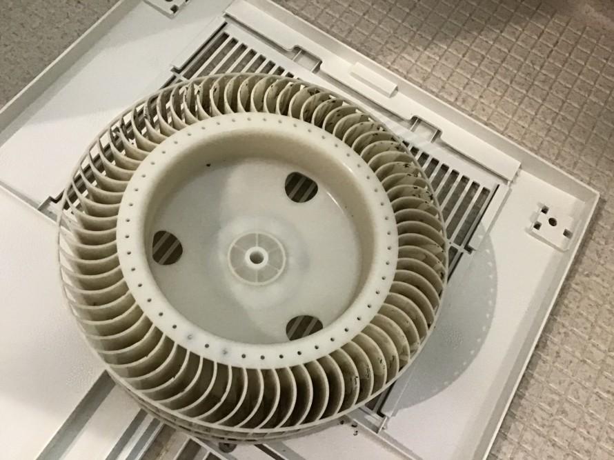 換気扇の分解掃除 福岡市