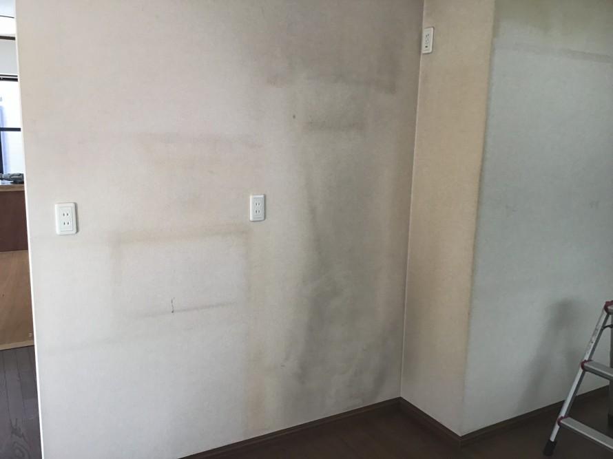 壁紙クロス染色