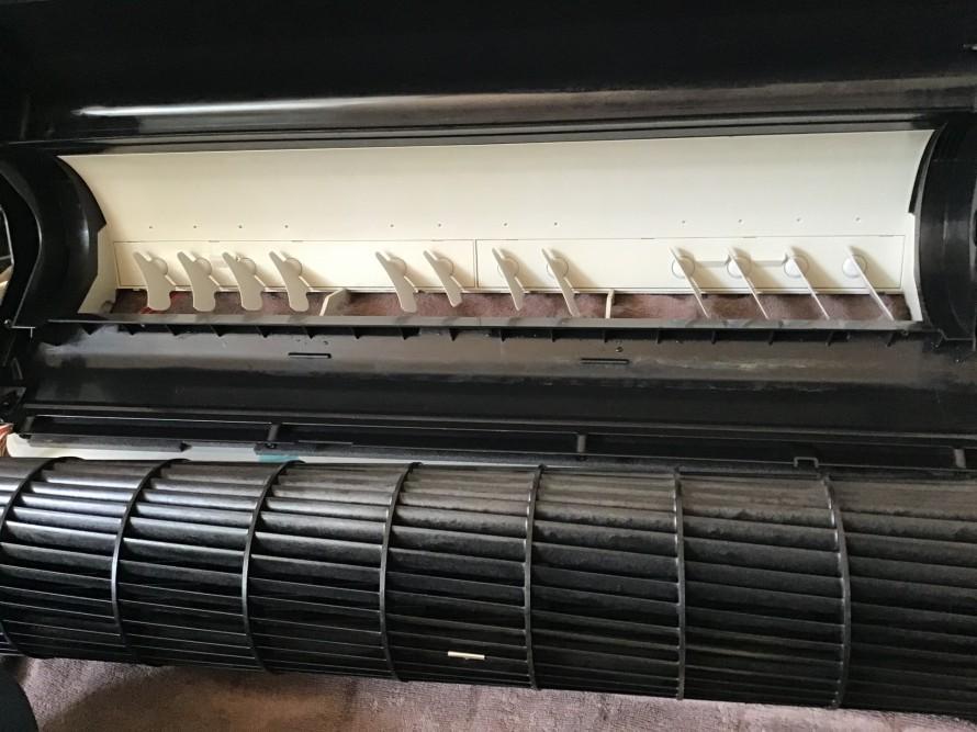 東芝フィルター自動掃除機能付きエアコン